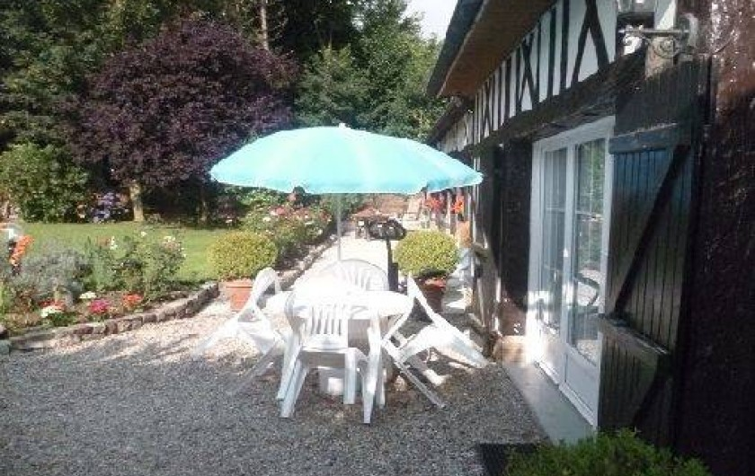 Location de vacances - Gîte à Saint-Sauveur-d'Émalleville - La terrasse
