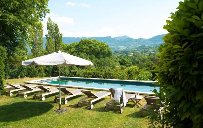 Location de vacances - Gîte à Mirabel-et-Blacons - Piscine extérieure chauffée