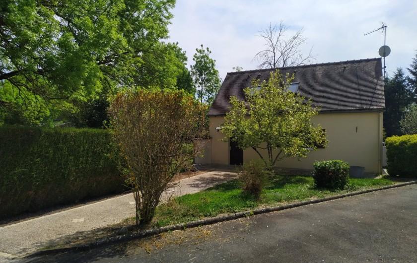 Location de vacances - Appartement à Nazelles-Négron - Entrée du gite