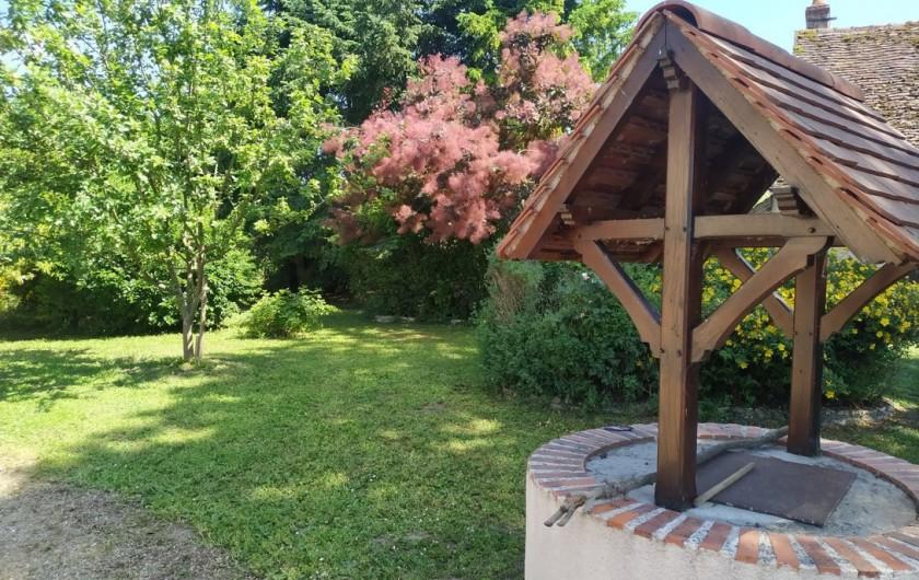 Location de vacances - Appartement à Nazelles-Négron - Jardin