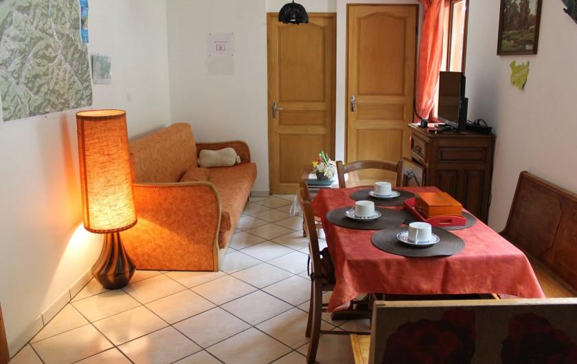 Location de vacances - Chambre d'hôtes à Le Menil - salon et coin repas privatif