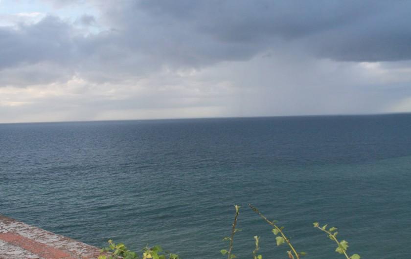 Location de vacances - Appartement à Granville - Vue mer sur les Iles CHAUSEY ( 2 ) Marée haute