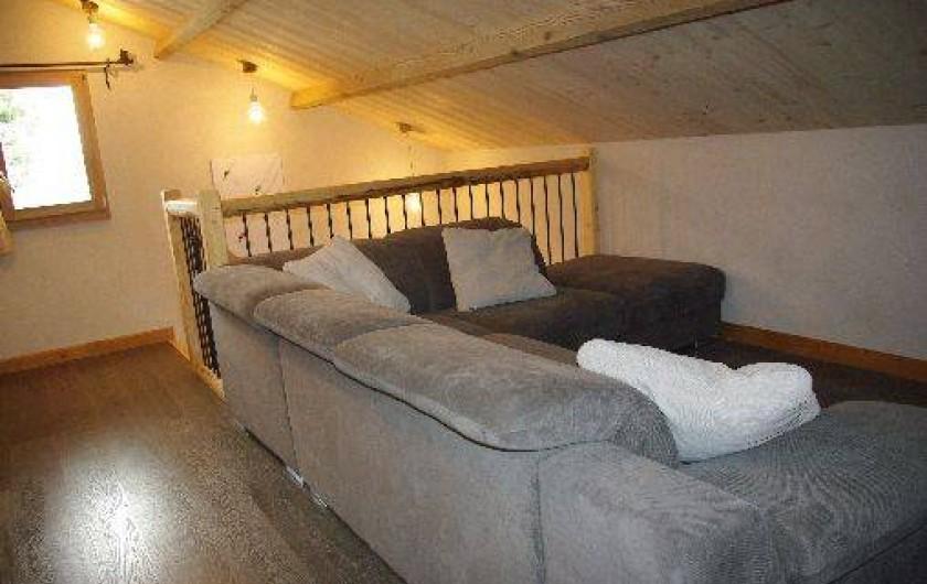 Location de vacances - Chalet à Manigod - Mezzanine coin TV 1er étage