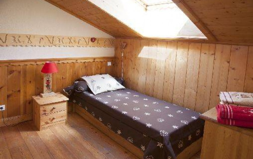 Location de vacances - Appartement à Pralognan-la-Vanoise - La chambre, pour 2  enfants, savoyarde   avec 2 lits gigogne