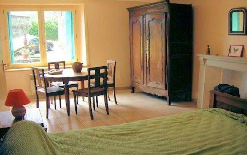 Location de vacances - Gîte à Saint-Gelven - chambre rez de chaussée, 1 lit largeur 1.40