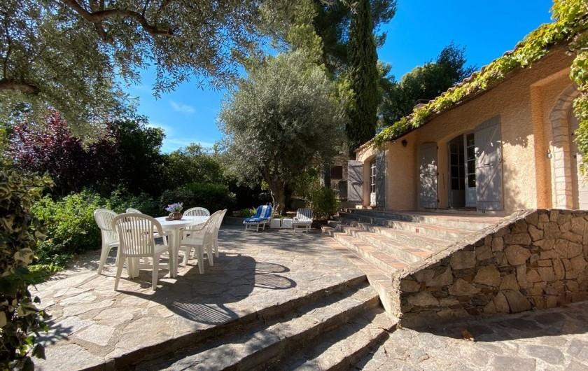 Location de vacances - Maison - Villa à Carqueiranne - Terrasse