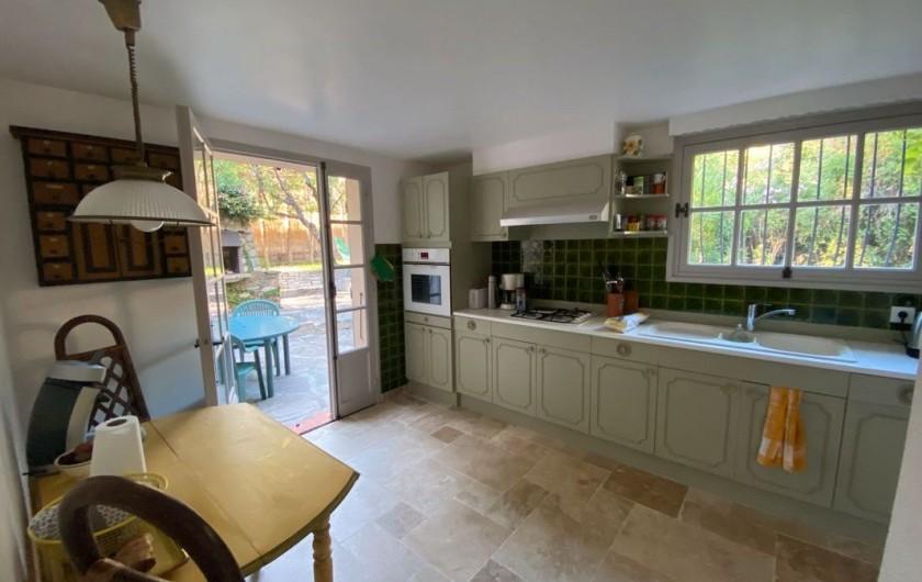 Location de vacances - Maison - Villa à Carqueiranne - Cuisine toute équipée