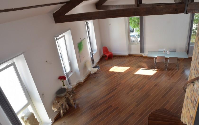 Location de vacances - Appartement à 16e Arrondissement - Hauteur sous plafond 5m50