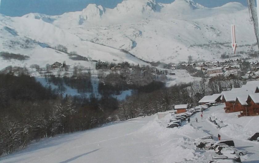 Location de vacances - Appartement à Saint-Sorlin-d'Arves - vue de l'appartement à droite sur les pistes