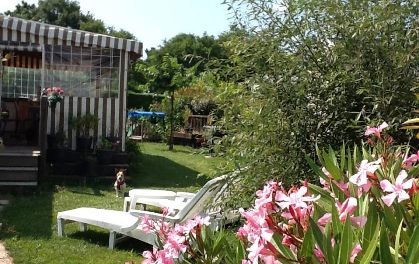 Location de vacances - Bungalow - Mobilhome à Les Mathes - Le Sheraton BK, terrain 350m2 avec salon jardin - cabane enfant + parking 2pl