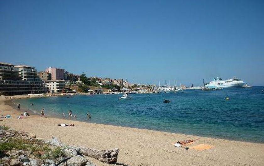 Location de vacances - Appartement à Propriano - la plage de Mancinu la plus proche de la résidence