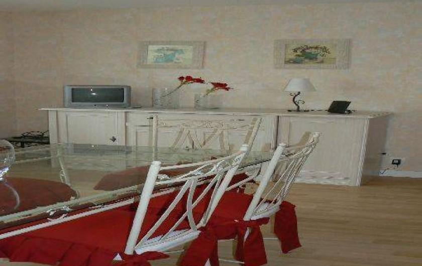 g te de la fauconni re proche des plages du d barquement et des les anglo normandes cherbourg. Black Bedroom Furniture Sets. Home Design Ideas