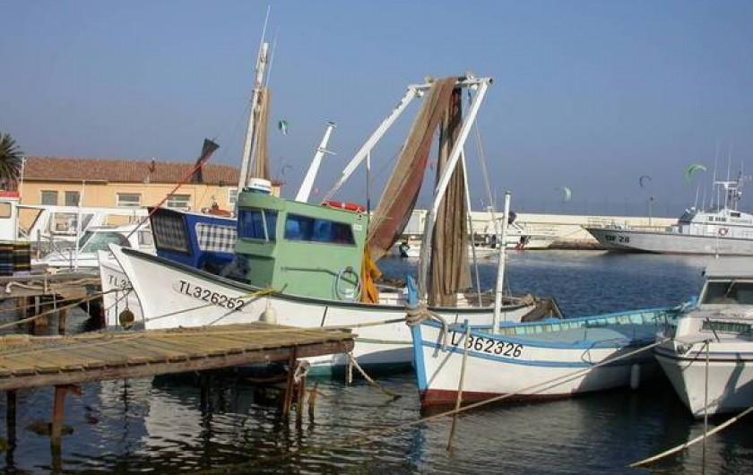 Location de vacances - Appartement à Hyères - Le petit port de pêche des Salins D'Hyeres   (Port Pothuau)