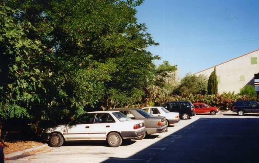 Location de vacances - Appartement à Hyères - Le parking privé