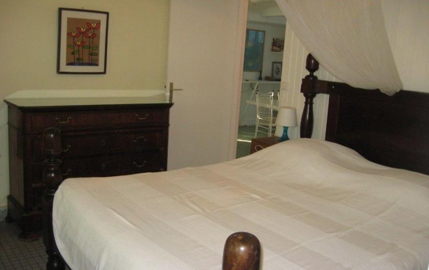 Location de vacances - Villa à Saint-François - Chambre avec lit 160 x 200 climatisée, salle de bain et Wc
