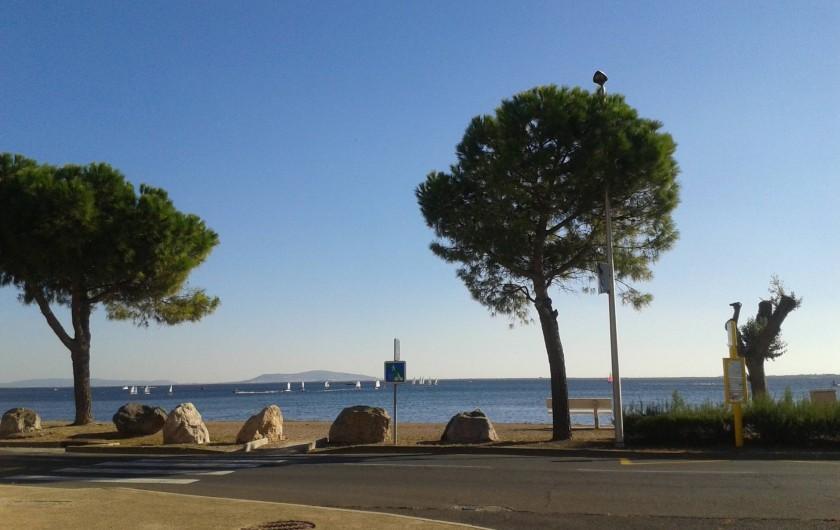 Location de vacances - Appartement à Marseillan - Vue étang de Thau