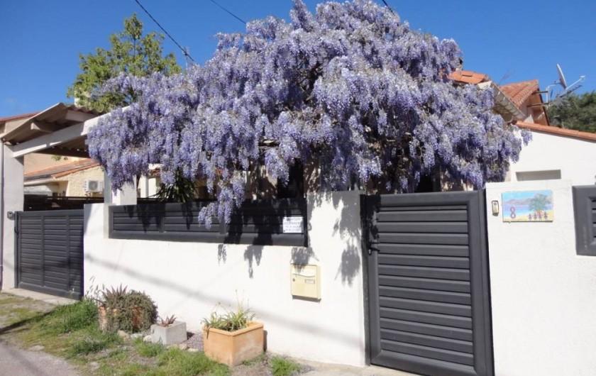 Location de vacances - Villa à Argelès Plage - Portail de l'entrée ainsi que du garage donnant sur la rue calme