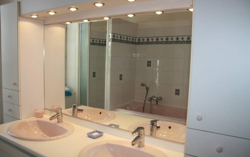 Location de vacances - Mas à Montfavet - Salle de bain