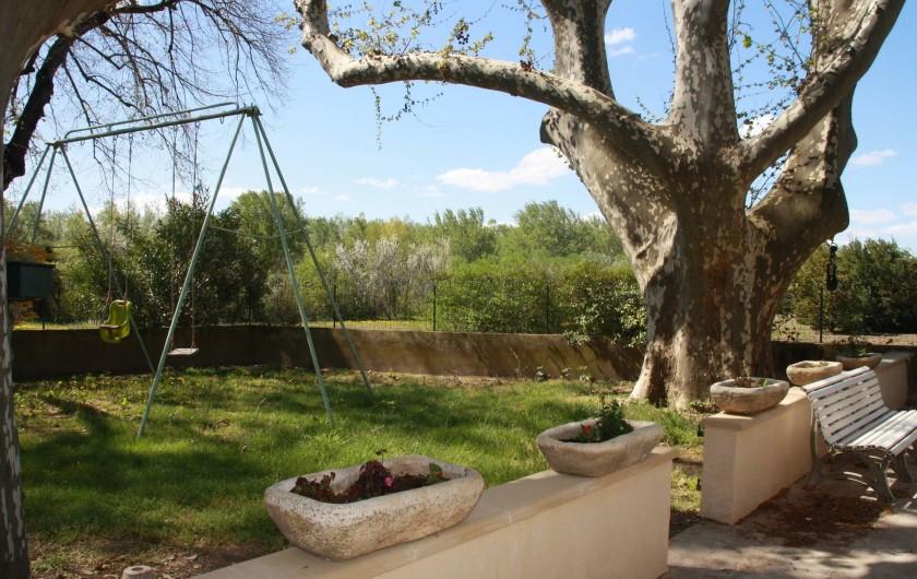 Location de vacances - Mas à Montfavet - jardin terrasse
