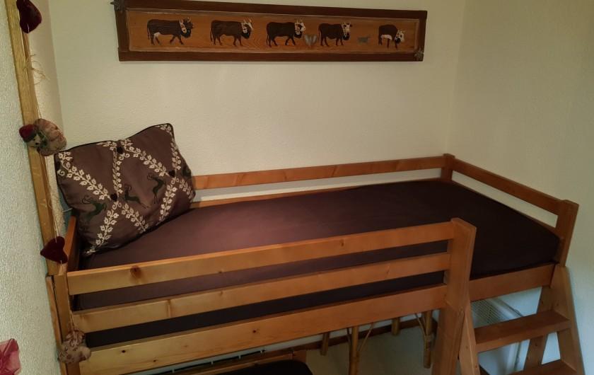 Location de vacances - Appartement à Le Grand-Bornand - Chambre lits superposés 2/2