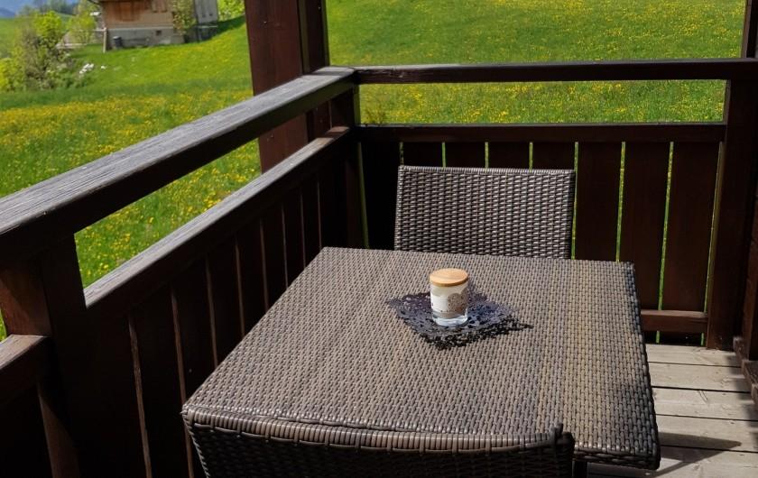 Location de vacances - Appartement à Le Grand-Bornand - Balcon du séjour 3/3