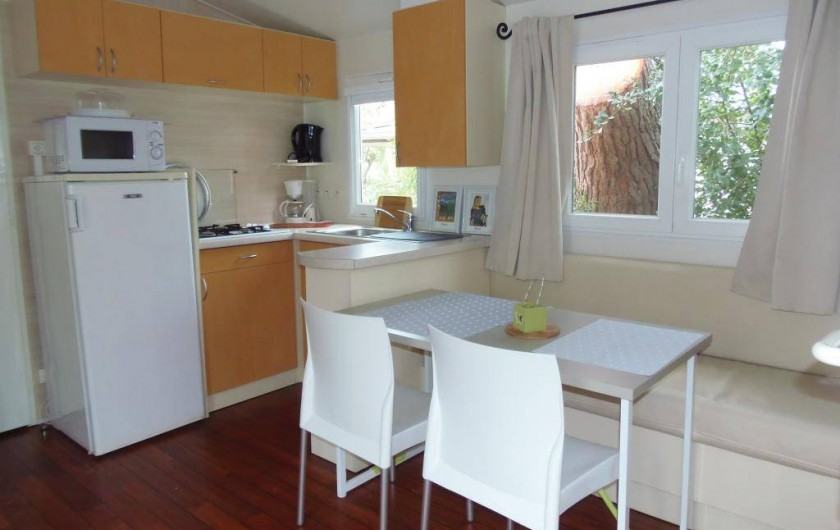 Mobil-home les Lys 30 m² - 2 chambres - terrasse 10 m²