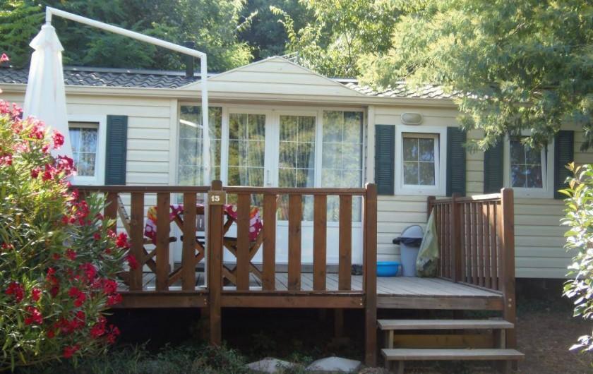 Location de vacances - Camping à Sorède - Mobil-home les Lauriers Roses 32 m² - 3 chambres - terrasse 16 m²