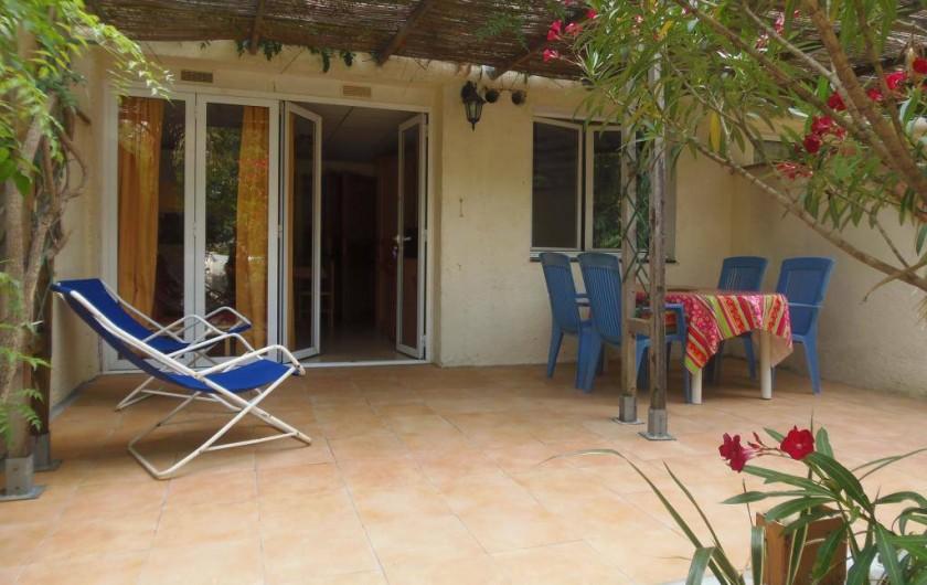 Location de vacances - Camping à Sorède - Appartement 4 Personnes 35 m² - 2 chambres - terrasse 25 m²