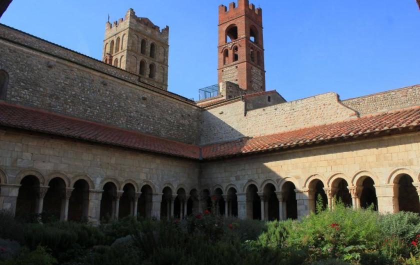 Location de vacances - Camping à Sorède - Cathédrale d'Elne, le cloître