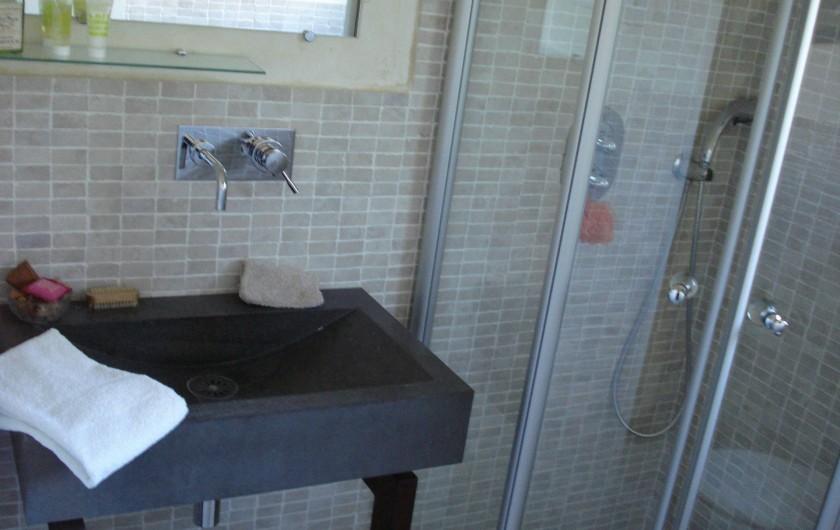 Location de vacances - Villa à Golfe-Juan - Salle d'eau avec WC et douche