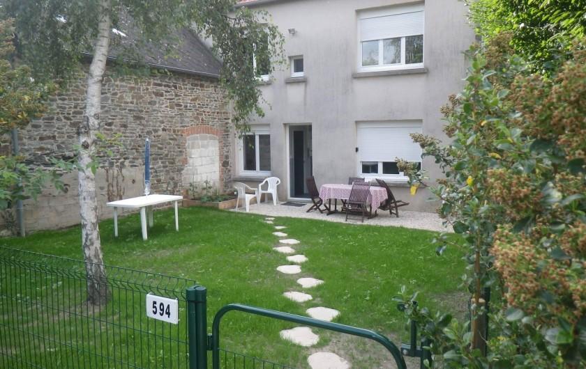 Location de vacances - Appartement à Saint-Pair-sur-Mer - Jardin