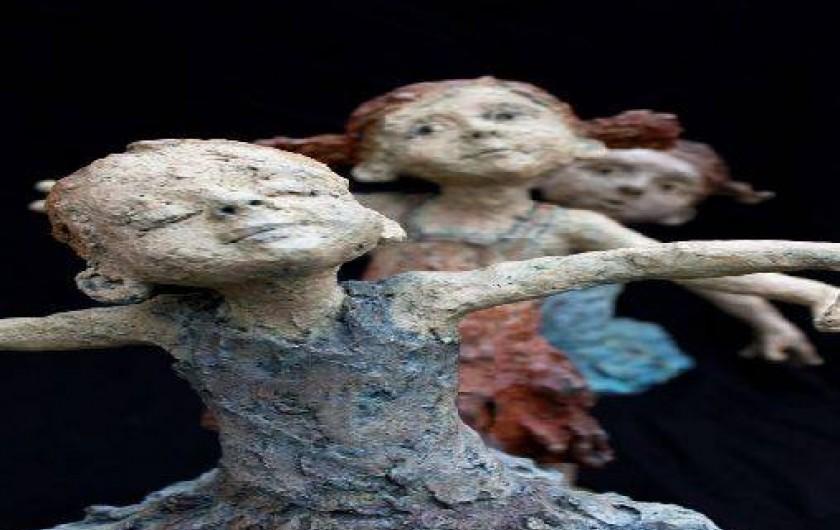 Location de vacances - Chambre d'hôtes à Beaune - Les sculptures en bronze de Jurga sont à la Terre d'Or à Beaune!