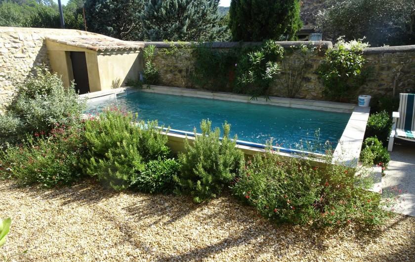 Location de vacances - Mas à Uzès - piscine