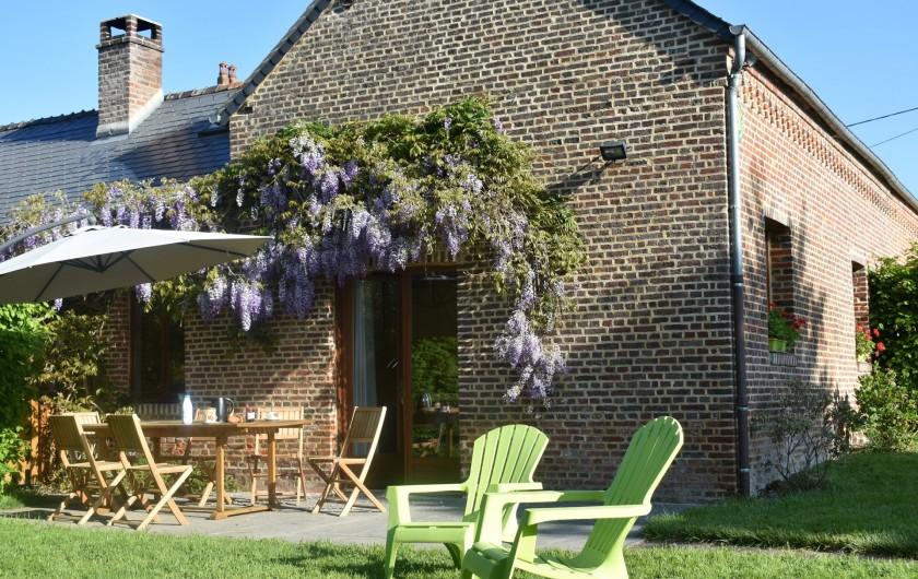 Location de vacances - Gîte à Landouzy-la-ville - Entrée - accès par terrasse exposée Sud