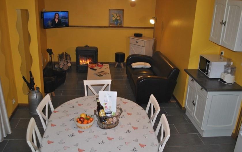 Location de vacances - Gîte à Landouzy-la-ville - Séjour/salon