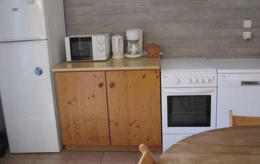 Location de vacances - Gîte à Salon-de-Provence - Le coin cuisine suite