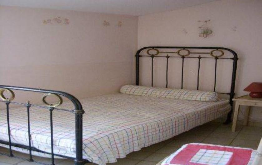 Location de vacances - Gîte à Bize-Minervois - chambre lit simple