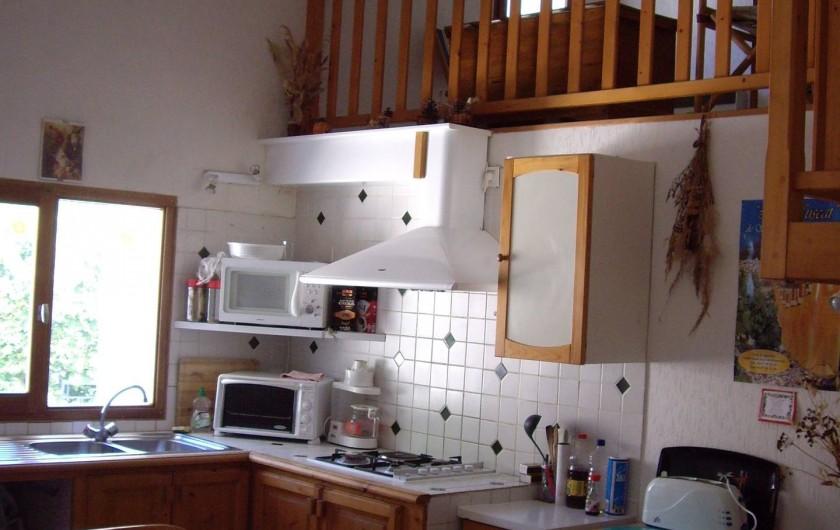 Location de vacances - Gîte à Bize-Minervois - coin cuisine aménagée