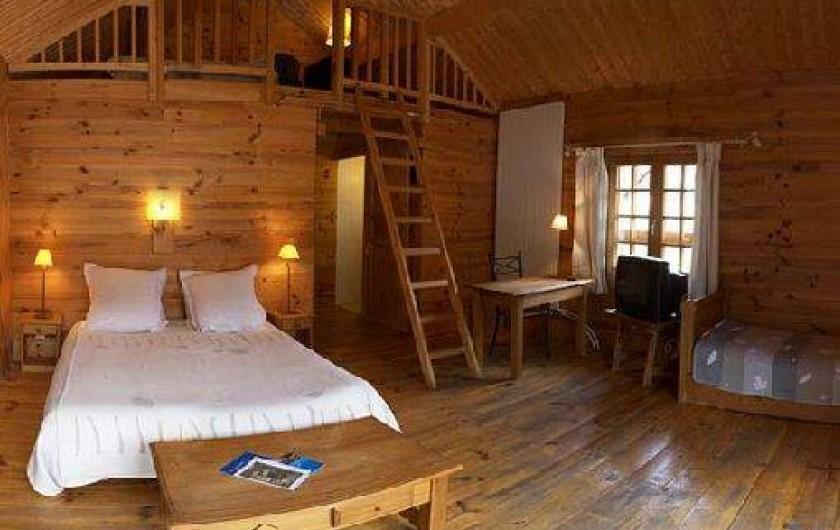 Location de vacances - Hôtel - Auberge à Névache - Chambre plein sud avec un grand balcon pour profiter du soleil ..