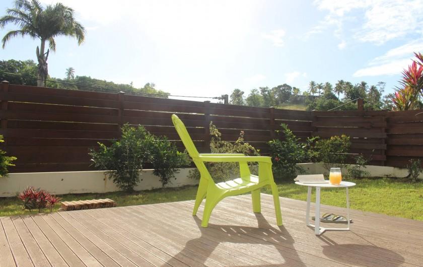 Location de vacances - Maison - Villa à Le Gosier - un Deck exposé au soleil levant