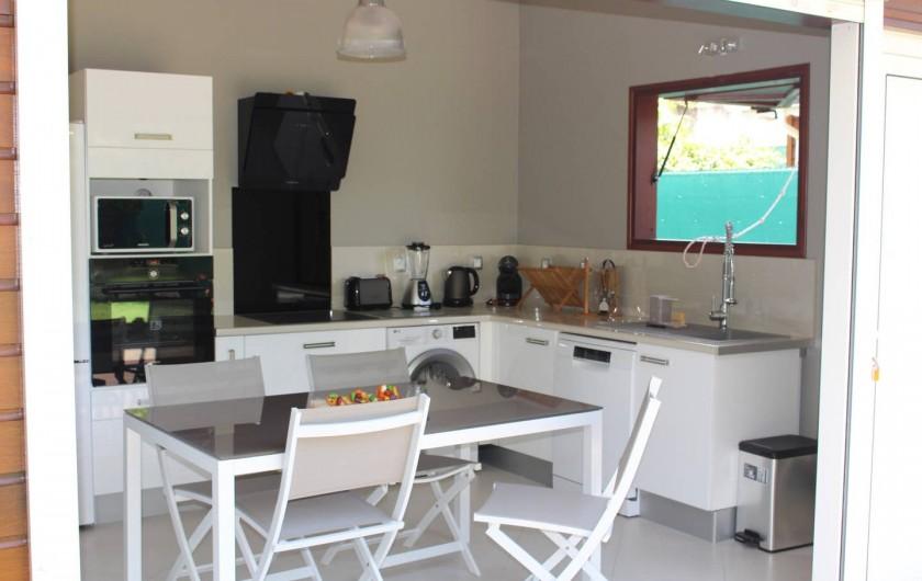 """Location de vacances - Maison - Villa à Le Gosier - Cuisine équipée Villa """"Douce"""""""