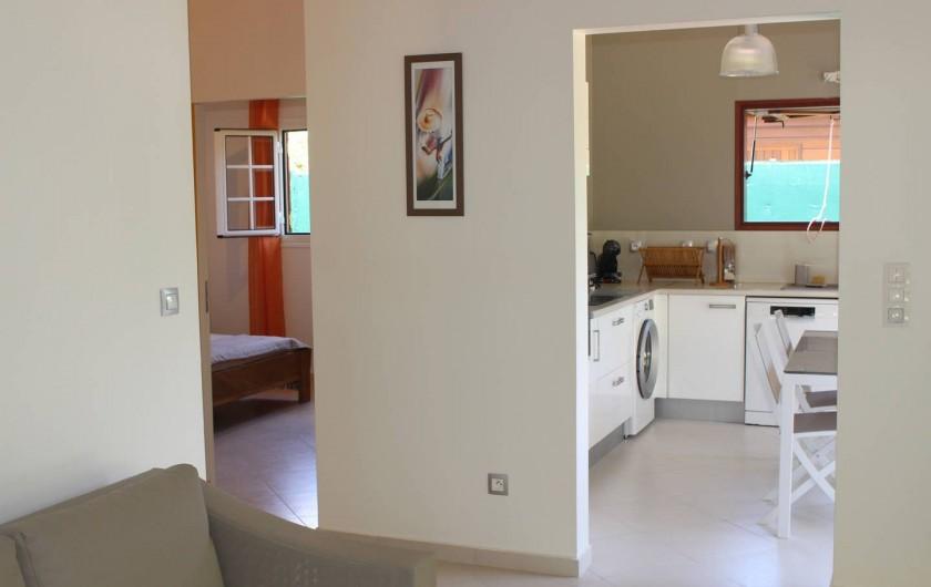 """Location de vacances - Maison - Villa à Le Gosier - un salon, une cuisine et 2 chambres villa """"Douce"""""""