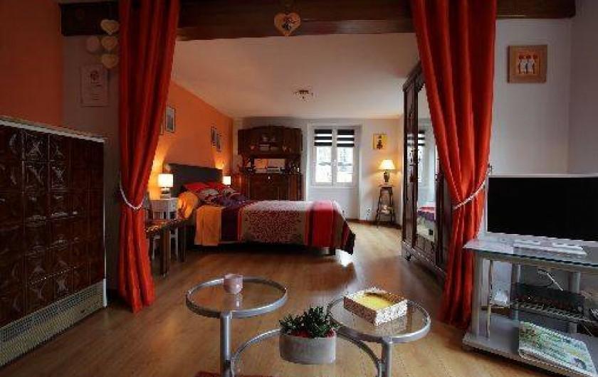 Location de vacances - Gîte à Maisonsgoutte - grande chambre ouverte