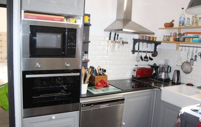 Location de vacances - Appartement à Hyères - Cuisine équipée