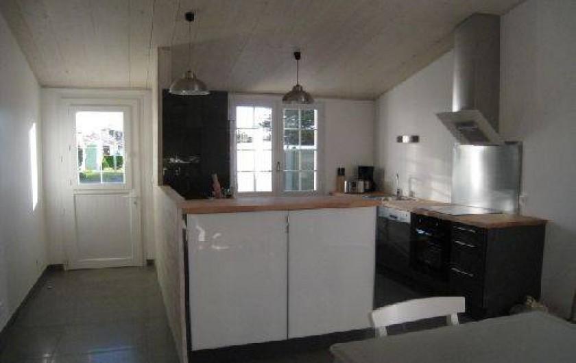 Location de vacances - Maison - Villa à Saint-Clément-des-Baleines - cuisine americaine dans villa du phare privative 3 chambres
