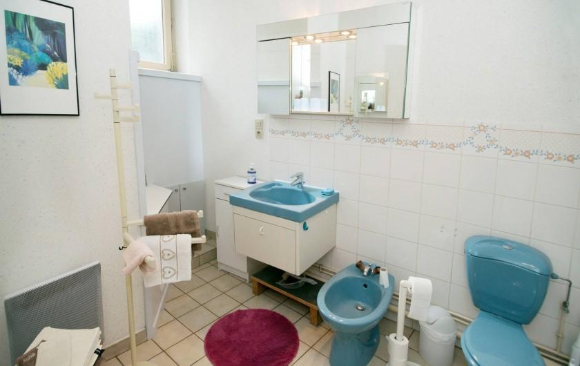 Location de vacances - Appartement à Colmar - La maison bleue côté Place des Six Montagnes Noires