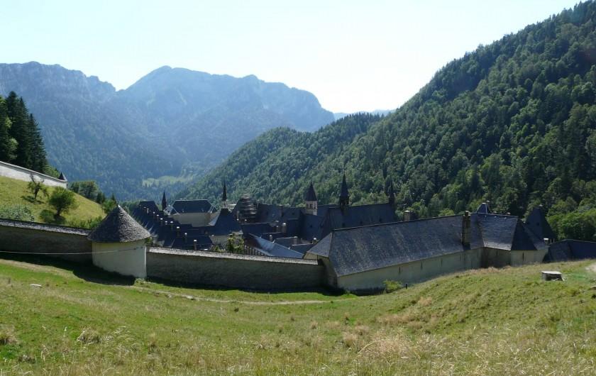 Location de vacances - Gîte à Saint-Pierre-de-Chartreuse - Le Monastère de la Grande Chartreuse (et musée à visiter)