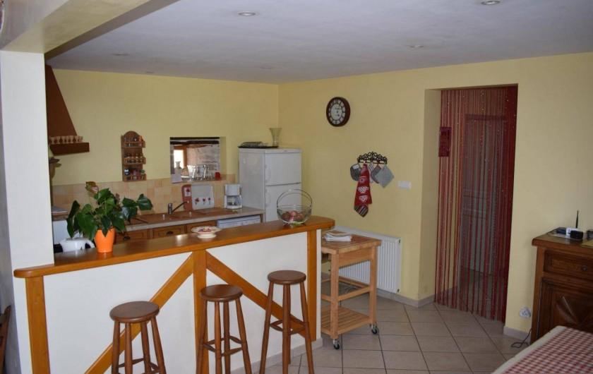 Location de vacances - Gîte à Turenne - le cuisine ouverte