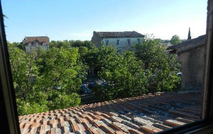 Location de vacances - Appartement à L'Isle-sur-la-Sorgue - Vue de la terrasse