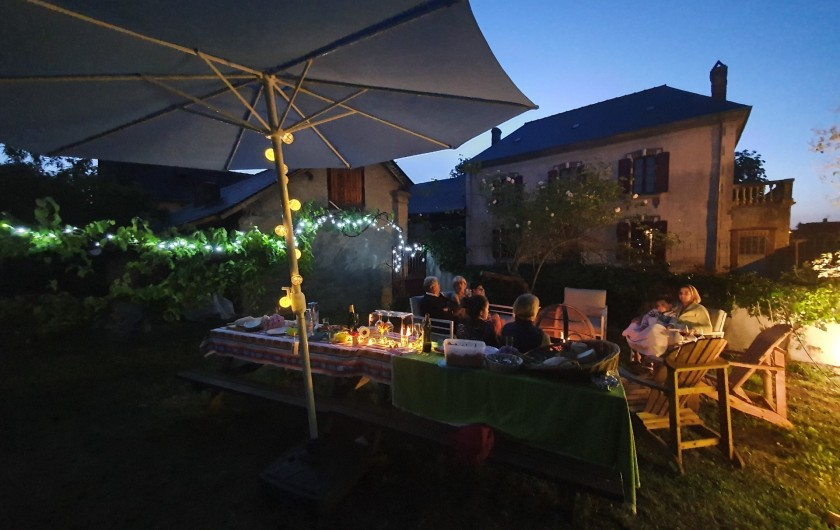 Location de vacances - Gîte à Bordères-sur-l'Échez - Soirée dans le jardin
